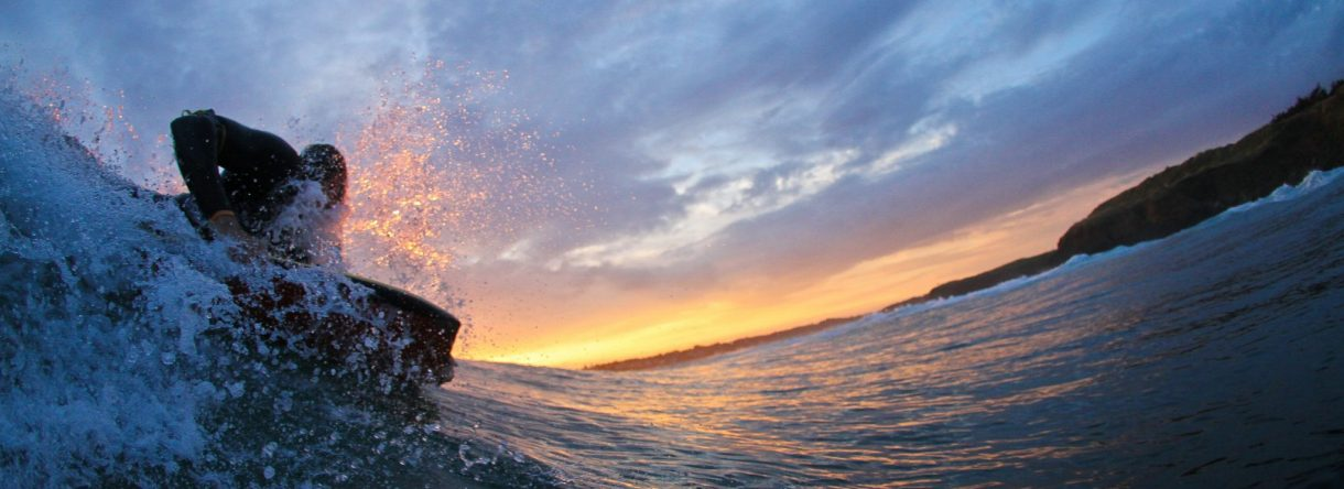 Surfeur au coucher du soleil, Guidel