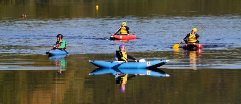 Kayaks en rivière