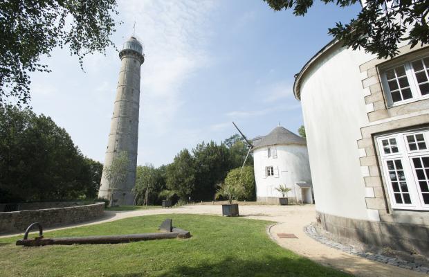 La Tour de la Découverte et les moulins du Faouédic - Enclos du Port - Péristyle - Lorient