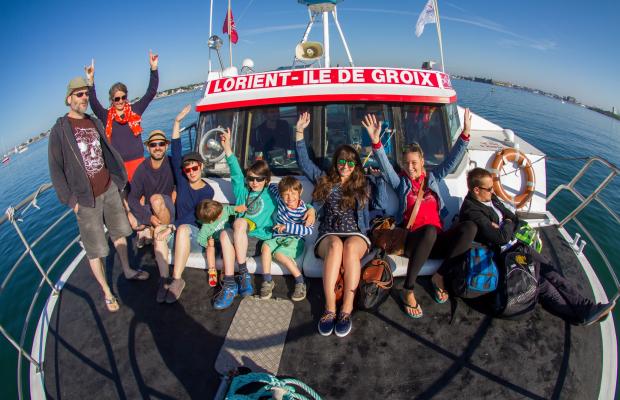 Passagers à bord du bateau vers l'île de Groix.