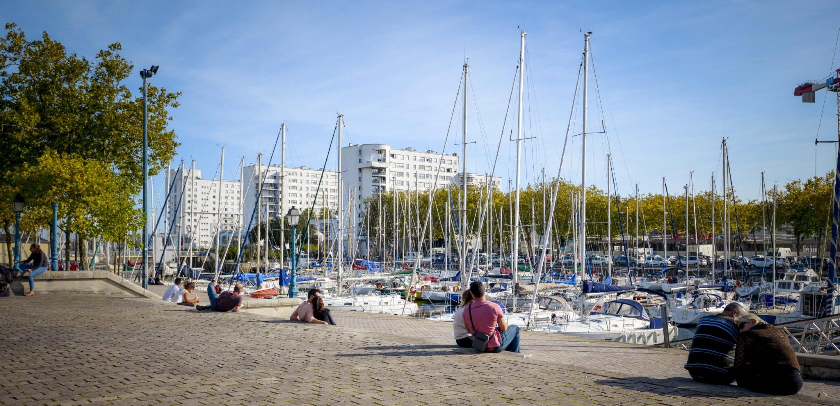 Lorient, voiliers sur le quai des Indes