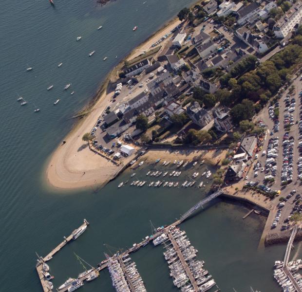 Vue aérienne du port du Kernevel, Larmor-Plage