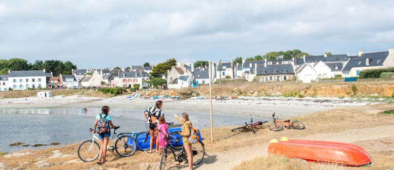 aller à plage de Locmaria à vélo, Ile de Groix