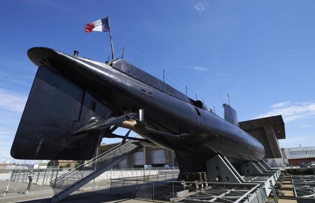 """©Yvan ZEDAA Sellor. La poupe du sous-marin """"La Flore"""" à Lorient La Base."""