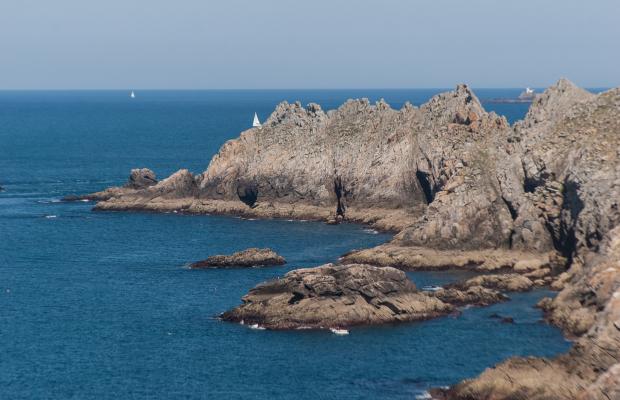 Yannick-DERENNES-Pointe-du-Raz-les-falaise-crtb-ad2425-2034.jpg